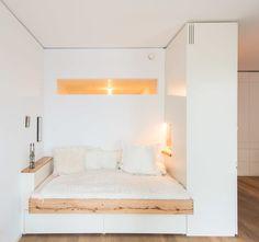 10 ideas on how to separate your sleeping area - Einzimmerwohnung ♡ Wohnklamotte - Schlafzimmer Modern Master Bedroom, Home Bedroom, Bedroom Decor, Bedroom Ideas, Master Bedrooms, Bedroom Small, Space Saving Bedroom, Modern Bedrooms, Girls Bedroom