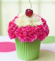 Cupcake made from fresh flowers - If you used silk flowers, it would last forever!!