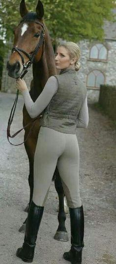 Kicked in the Head: The Equestrian Helmet Equestrian Girls, Equestrian Outfits, Equestrian Style, Horse Riding Clothes, Riding Pants, Riding Breeches, Horse Fashion, Outfits Mujer, Country Fashion