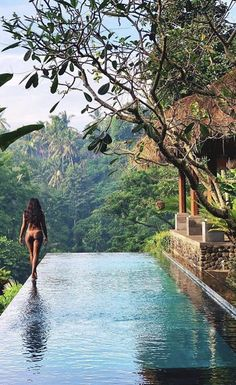 Dream Hotels 🌴🌎 - Discover amazing travel destinations around the world. Do you need Travel Inspiration and motivatio - Ubud, Dream Vacations, Vacation Spots, Vacation Travel, Dream Pools, Beautiful Places To Travel, Wonderful Places, Cool Pools, Travel Aesthetic