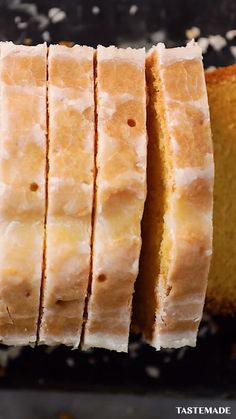 Sometimes all you need in life is a slice of our Best Ever Lemon Drizzle Cake and a cup of tea. Once you have baked it, this delightfully easy and quick dessert is guaranteed to be your next 'go to' c Easy Cake Recipes, Easy Desserts, Baking Recipes, Sweet Recipes, Dessert Recipes, Pasta Recipes, Dinner Recipes, Food Cakes, Quick Dessert
