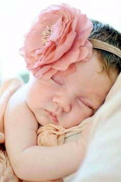 Adorable newborn Photography Ideas For Your Junior (9)