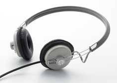 The Dynamic Headphones were developed in conjunction with Ashidavox, one of Japan's oldest audio companies. The minimal retro design is similar to the Ashidavox ST-90, but the internals have been reworked to provide better sound and comfort.