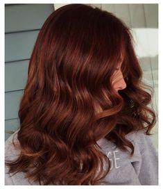 Redish Brown Hair, Copper Brown Hair, Dark Red Hair, Hair Color Dark, Brown Hair Colors, Auburn Hair Copper, Red Hair Gloss, Brown Auburn Hair, Burgundy Hair