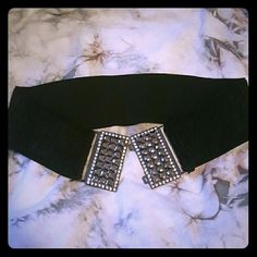 Fabulous stretchy belt with crystals Perfect for going out or spicing up an ordinary outfit. One small crystal is missing (see second picture). Forever 21 Accessories Belts