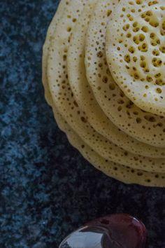 Brunch Dishes, Brunch Recipes, Sweet Recipes, Dessert Recipes, Breakfast Recipes, Moroccan Desserts, Moroccan Recipes, Moroccan Flat Bread, Recipe From Scratch
