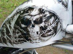 Epic Firetruck's Motor'sicle Paint ~ Custom Paint Motorcycle, Motorcycle Tank, Custom Bobber, Air Brush Painting, Car Painting, Airbrush Skull, Volkswagen, Motos Harley Davidson, Airbrush Designs