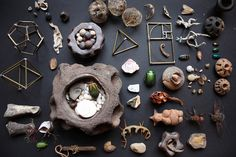 I like the idea of gathering collections for art inspiration. This one is from Alberto J. Almarza's Flickr.