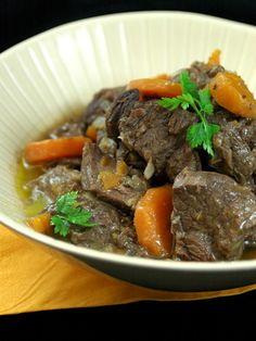 Boeuf bourguignon - Recette de cuisine Marmiton : une recette