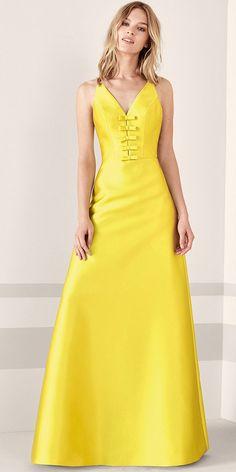bd8b7328ec 33 Best Prom Dresses images
