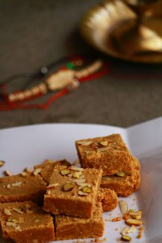 besan burfi or besan ki burfi is a gram flour fudge made with gram flour, sugar and ghee. It is a tasty Indian sweet and can be made during Raksha Bandhan