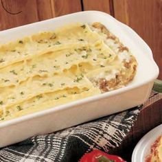 Sauce Lasagna White Sauce Lasagna--- I used italian sausage instead of ground beef, and about half the cheese and it was delicious!White Sauce Lasagna--- I used italian sausage instead of ground beef, and about half the cheese and it was delicious! Lasagna Recipe Taste, Lasagna Recipe Without Tomato Sauce, White Sauce Lasagna, Alfredo Lasagna, Alfredo Sauce, Zucchini Lasagna Rolls, White Sauce Recipes, Pasta Dishes, Pasta Meals