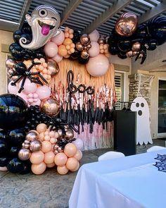 Halloween School Treats, Halloween Birthday, Halloween Party Decor, Happy Halloween, Gender Reveal Party Decorations, Balloon Decorations Party, Halloween Balloons, Adornos Halloween, Harvest Party