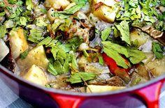 Dette er en sunn og enkel gryterett med masse smak av rotgrønnsaker og deilig løpstikke. Har du ikke løpstikke, så bruk fersk persille.