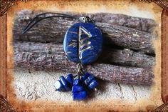 """Porte-clé runique porte-bonheur """"Heureuse vie"""", de couleurs bleu, doré et bronze : Porte clés par freyja-s-faeries"""