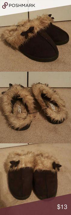 Black Wet Seal Slippers NWOT Black Wet Seal Slippers w/Faux Fur Wet Seal Shoes Slippers