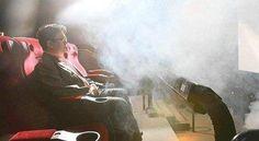 El cine 4D: una nueva experiencia cinematográfica.  Ante la amenaza de Internet y la tendencia de la gente a ver películas sin salir de su casa, la industria del cine busca nuevas posibilidades para atraer espectadores a las salas. Ahora los teatros estarán equipados para producir efectos especiales en vivo y así introducir al público en la realidad que ve en la pantalla.