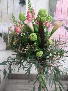 Bouquet with #Viburnum #Calla #Leeuwenbek #Eucalyptus: Available at www.barendsen.nl