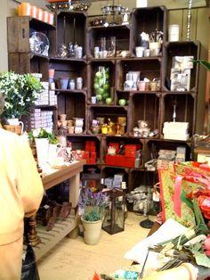 gift store display ideas | Interesting Storage Idea… « Plantabox's Blog