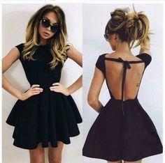 Idealna czarna, krótka sukienka.