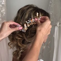 Hair Styles Updos With Tiara Fancy Hairstyles, Bridal Hairstyles, Hair Upstyles, Hair Videos, Makeup Videos, Hair Designs, Prom Hair, Hair And Nails, Hair Inspiration