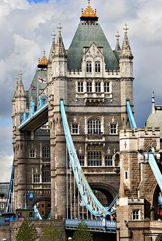 Tower Bridge in London, England. I've been to London a few times, and yet have never seen tower bridge. Places Around The World, Oh The Places You'll Go, Places To Travel, Around The Worlds, London England, Oxford England, Cornwall England, Yorkshire England, Yorkshire Dales