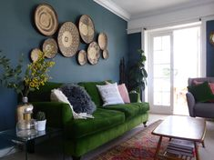 Farrow & Ball Inspiration INCHYRA BLUE LIVING ROOM Contributed by kiri Love this colour! Makes a beautiful backdrop for the baskets and makes the emerald green sofa pop! Boho Living Room, Living Room Sofa, Living Room Decor, Blue And Green Living Room, Green Rooms, Emerald Green Sofa, Farrow And Ball Living Room, Dining Room Suites, Decorating Rooms
