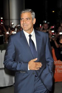 George Clooney.- Looking more like his Dad each day!
