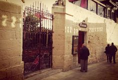 Fontanella  #mdina #islandlife #mediterranean #beautifuldestinations #architecture #luxuryliving #livingabroad #travelphotography #wonderful_places #instspic #instagram #travel by rent_a_home_in_malta