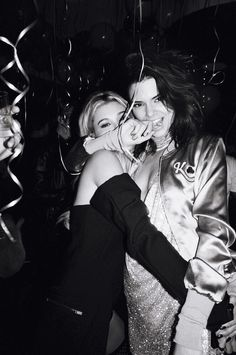 Kendall Jenner photographed Hailey Baldwin by Theo Wenner at her birthday party. Best Friend Goals, My Best Friend, Best Friends, Norman Reedus, The Walking Dead, Kendall Jenner Outfits, Kendall Jenner Birthday, Kendall Jenner Tumblr, Kendall Jenner Gigi Hadid