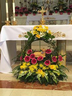 Christmas Flower Decorations, Floral Wreath, Wreaths, Table Decorations, Flower Arrangements Simple, Palmas, Flowers, Floral Crown, Door Wreaths