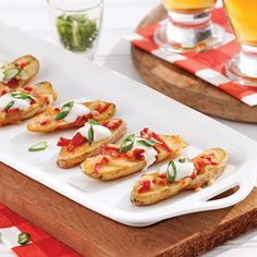 Potato peels with smoked gouda - Bouffe - Cuisine et Boissons Smoked Gouda, Peeling Potatoes, Bruschetta, Tapas, Allrecipes, Nutrition, Buffet, Bbq, Veggies