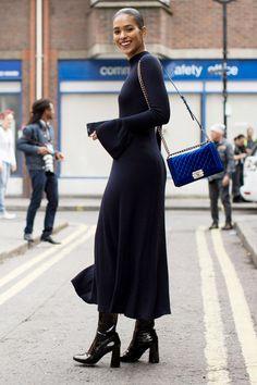 Street Chic - All The Beautiful Black Women Slaying Street Style at London Fashion Week Street Style Trends, Street Style Chic, Spring Street Style, London Fashion Weeks, Milan Fashion, Street Fashion, Look Fashion, Spring Fashion, Womens Fashion