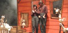 """Imagen del espectáculo de teatro escolar en inglés """"The vain little mouse"""". Educación Infantil y primer ciclo de primaria"""