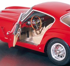 CMC Modelle - Ferrari 250GT SWB Modellauto