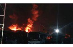 Se queman 3 autobuses en el ADO de Coatzacoalcos - http://www.esnoticiaveracruz.com/se-queman-3-autobuses-en-el-ado-de-coatzacoalcos/