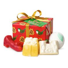 Best Wishes Lush Christmas Gift 2016 Includes Ruby Red Slippers Bubble Bar, Golden Wonder Bath Bomb, Snowcastle Soap and So White Bath Bomb