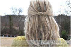 How to Curl Your Hair with a Curling Iron How to Curl Your Hair with a Curling Iron, Full Head Tutorial French Braided Bangs How to Wear a Headband in kind of a Cute Way Half French Twist Half Up t… Medium Hair Styles, Short Hair Styles, Pretty Short Hair, Hair Blog, Shoulder Length Hair, Great Hair, Awesome Hair, Hair Today, Pretty Hairstyles