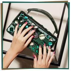 ジュエルなバッグに合わせるネイルはシャイニーアートが3 STEPで完成 Designer Bags, Beauty Nails, Fashion, Couture Bags, Moda, Fashion Styles, Fashion Illustrations