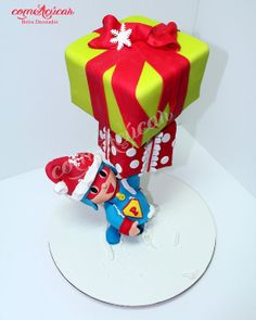 Super Pocoyo Christmas Cake by comacucar Anti Gravity Cake, Gravity Defying Cake, Christmas Goodies, Christmas Time, Christmas Gifts, Xmas, Holiday Cakes, Christmas Cakes, Cake Frame