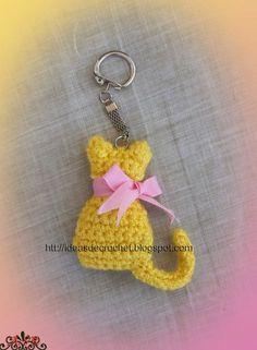 Ideas de Crochet: Gatito llavero Ideas de Crochet: Gatito llavero Learn the fact (generic term) of h Crochet Gifts, Crochet Toys, Crochet Baby, Free Crochet, Crochet Butterfly, Crochet Flowers, Chat Crochet, Crochet Keychain Pattern, Cat Keychain