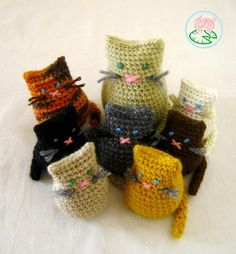 Amigurumi Cat Family (3 sizes) by Tamara Lazaridou pattern €1.75 on Ravelry at http://www.ravelry.com/patterns/library/amigurumi-cat-family-3-versions