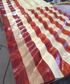 The grain looks amazing on this one! This 7 footer is going through the multiple sanding sealer steps then the blue will be applied and then the framing! Intarsia Woodworking, Woodworking Projects, Small Wood Projects, Diy Projects, Wooden American Flag, Wood Flag, Fun Crafts To Do, Woodworking Inspiration, Flag Art