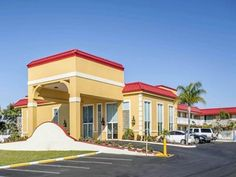 Rodeway Inn Is Conveniently Located In The Por New Port Richey Area Both Business Travelers And Tourists Can Enjoy Hotel S Facilities Services
