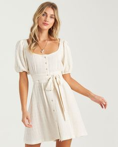 Summer Dresses With Sleeves, Mini Dresses For Women, Short Summer Dresses, White Dress Summer, White Mini Dress, Short Sleeve Dresses, Sun Dresses, Short White Dresses, White Dress Outfit