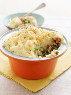 Creamy Vegetarian Shepherd's Pie - This recipe sounds really easy and adaptable, gonna give it a try!