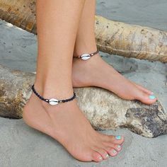 Shell Anklet, Cowrie Shell Anklet, Beach Anklet, Bohemian Anklet, Cowrie Shell J… - Jewelry Ideas Shell Jewelry, Cute Jewelry, Body Jewelry, Jewelry Accessories, Jewelry Design, Rustic Jewelry, Beach Jewelry, Designer Jewelry, Designer Earrings