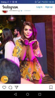 Naina singh Kumkum Bhagya, Stylish Girl, Sari, Actors, Cute, Feelings, Fashion, Saree, Moda