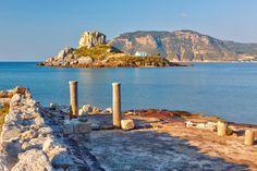 Entdecken Sie Kos! In der Ägäis wehen die Winde meist aus nördlichen Richtungen. Deswegen leiten Flugzeuge ihren Landeanflug auf Höhe der Schwammtaucherinsel Kálimnos mit...