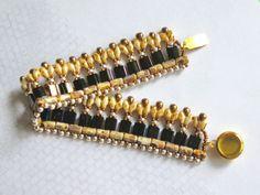 Free pattern for beaded bracelet Saffron U need: Seed beads Seed beads Tila beads Miyuki Bricks beads CzechMates Super Duo Drops Miyuki Beading Patterns Free, Beaded Bracelet Patterns, Woven Bracelets, Beaded Earrings, Free Pattern, Tutorial Colar, Necklace Tutorial, Jewelry Making Tutorials, Stylish Jewelry